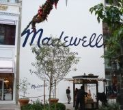 retail-outdoor-barricades-madewell