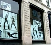10-retail-windows-vinyl-graphics